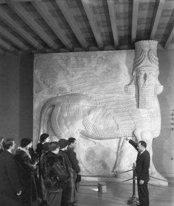 ادوارد چییرا در بنیاد خاورشناسی، شیکاگو، 1931.
